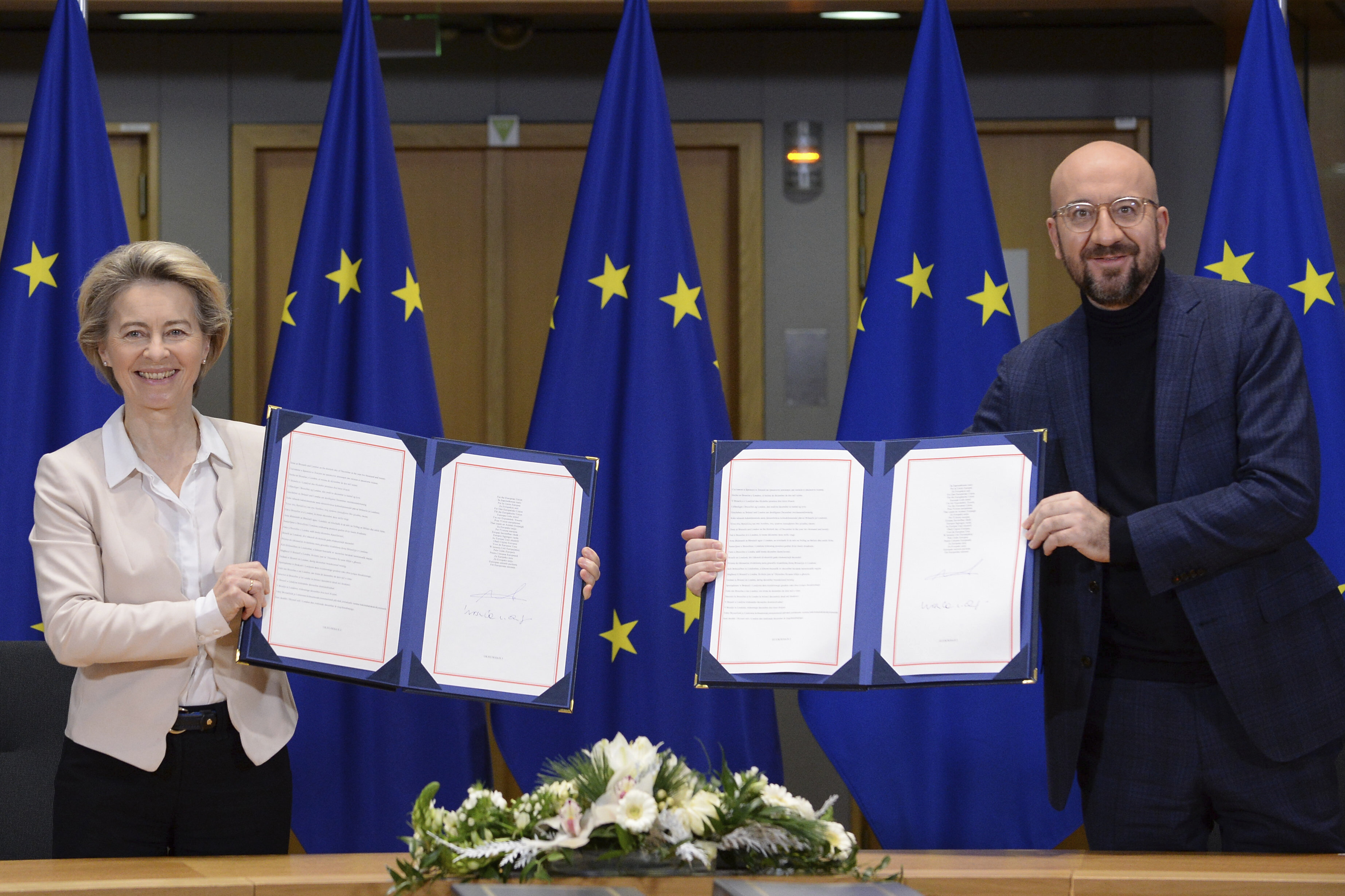 Michel & von der Leyen met het ondertekend handelsakkoord